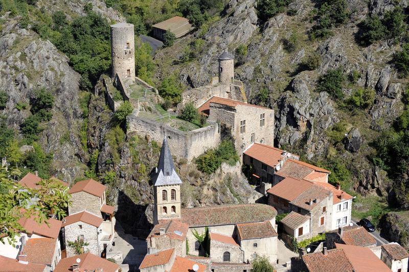 chapelle du chastel et l'ossuaire de Saint floret (puy de dome) : [à éviter] 74560810