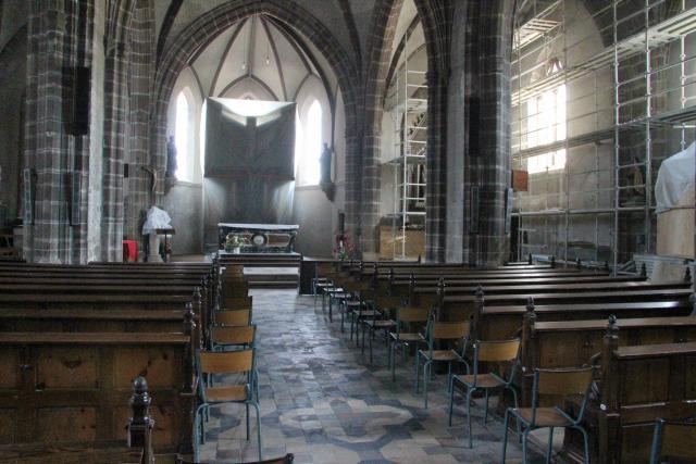 Eglise saint pierre (les herbiers, vendée) : [à éviter] Nef10