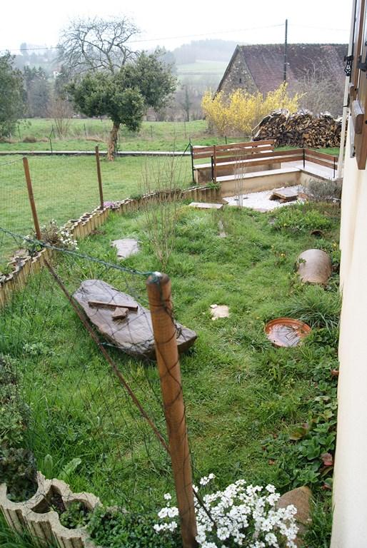 Trop d'herbe dans l'enclos? Dsc09414