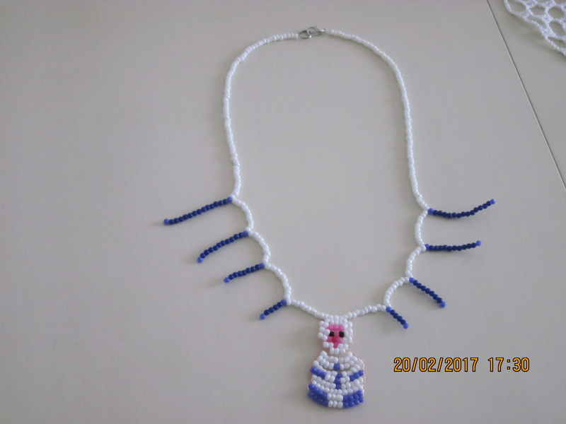 un collier Img_3310