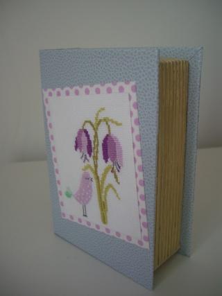 livre carton détourné Cimg9911