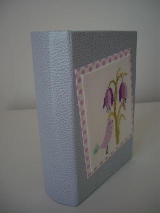 livre carton détourné Cimg9914