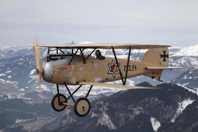 L'Autrichien au 4 avions Airpla10