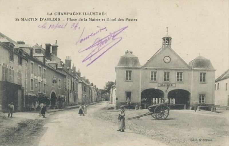 Saint-MARTIN-d'ABLOIS Place_10