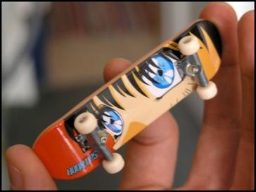 Finger skate.... Finger10