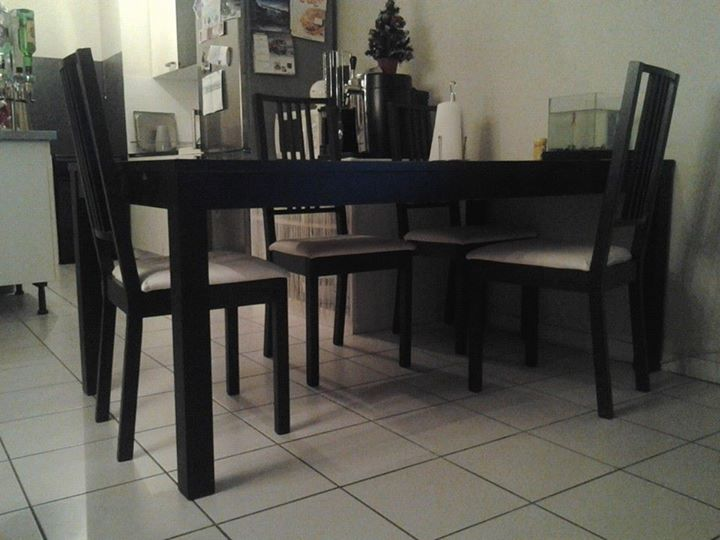 Table + 4 chaises 15040310