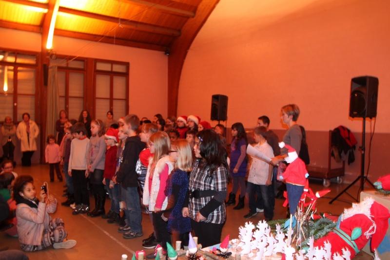 Fête de Noël des écoles de Wangen le 6 décembre 2013 Img_9011