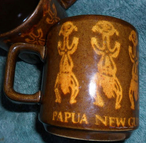 Show us your mugs .... Crown Lynn of course ;) - Page 9 Papau_10