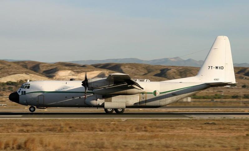 طائرة النقل سى-130 هرقل  CC-130 Hercules C_13010