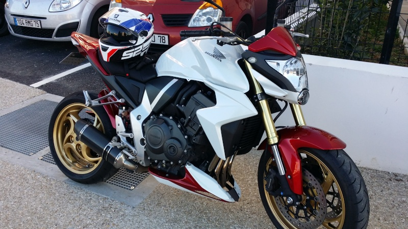 CB1000R ROUGE & BLANCHE 2011 20140310