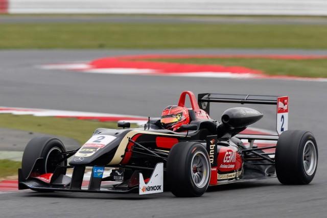Lotus Junior Team in F.3   A_este10