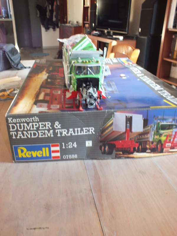Revell Dumper & Tandem Trailer Dscf0133