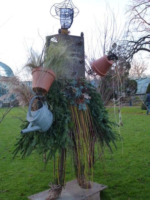 La bergère , le jardinier et le bucheron  P1050615