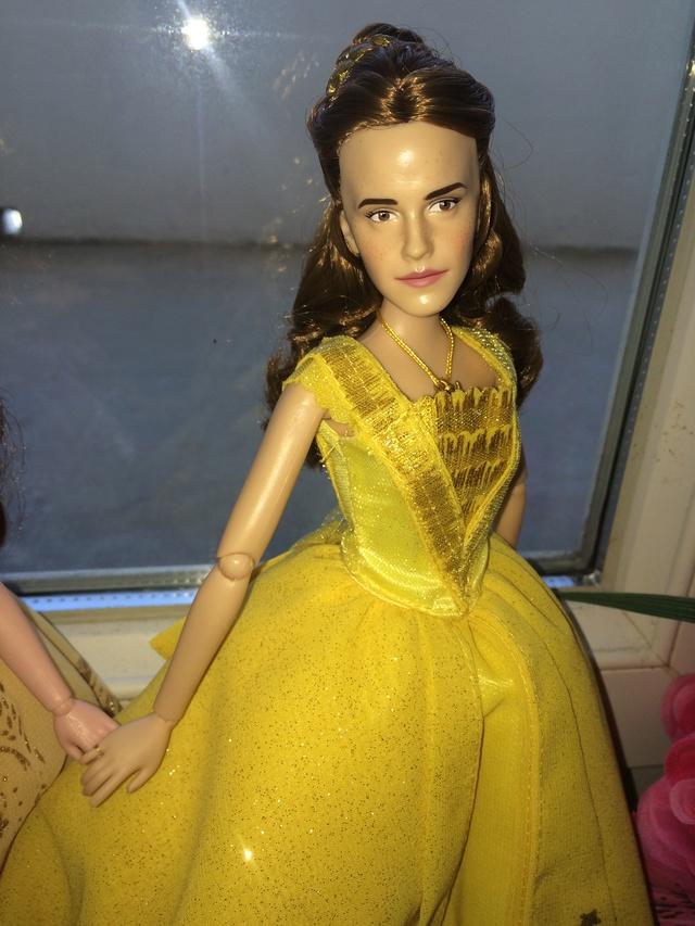 Ma collection des poupées des films de DISNEY - Page 7 Img_2010