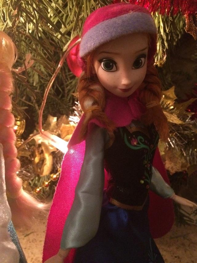 Ma collection des poupées des films de DISNEY - Page 7 Img_8241