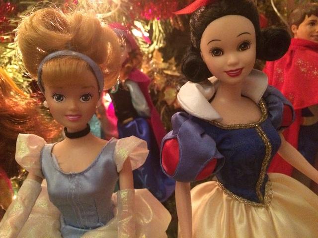 Ma collection des poupées des films de DISNEY - Page 7 Img_8339