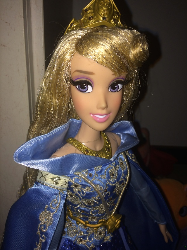 Ma collection des poupées des films de DISNEY - Page 7 Img_8344