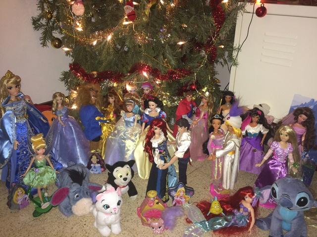 Ma collection des poupées des films de DISNEY - Page 7 Img_8422