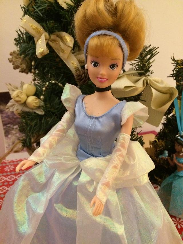 Ma collection des poupées des films de DISNEY - Page 7 Img_9014