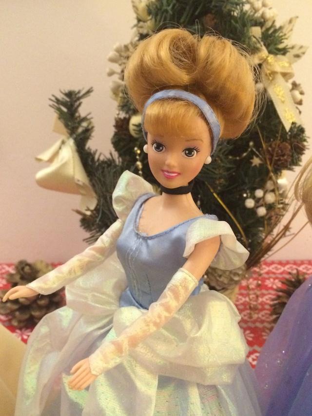 Ma collection des poupées des films de DISNEY - Page 7 Img_9311