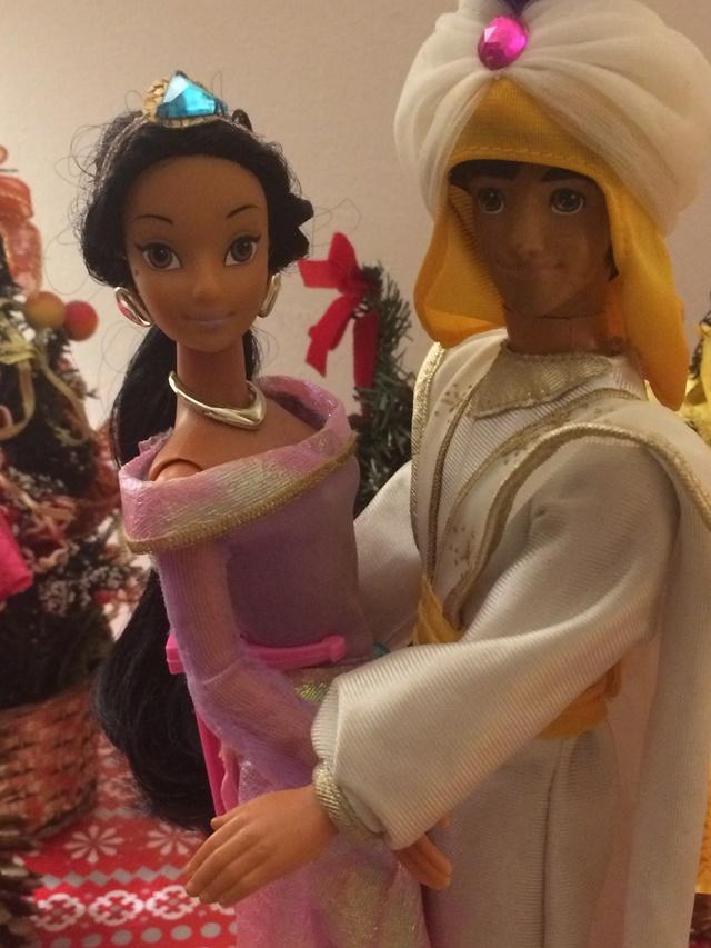 Ma collection des poupées des films de DISNEY - Page 7 Img_9322
