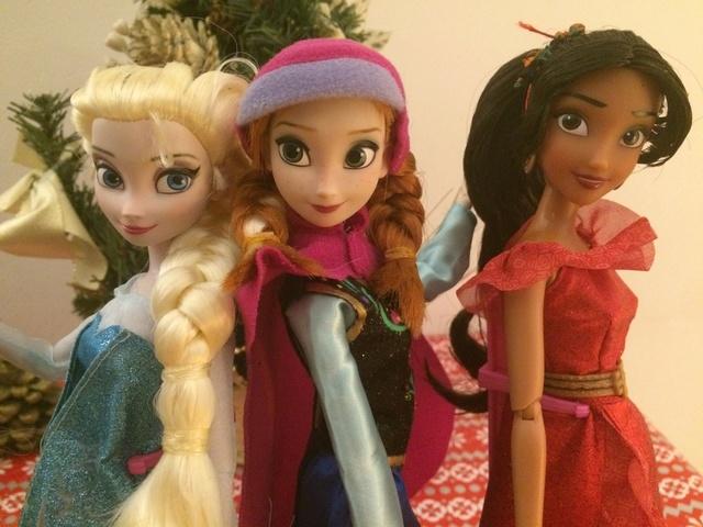 Ma collection des poupées des films de DISNEY - Page 7 Img_9410