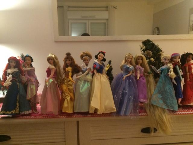 Ma collection des poupées des films de DISNEY - Page 7 Img_9411