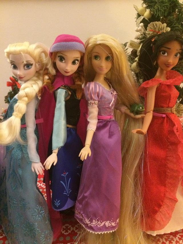 Ma collection des poupées des films de DISNEY - Page 7 Img_9414