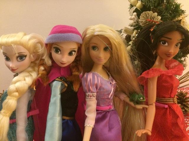 Ma collection des poupées des films de DISNEY - Page 7 Img_9415