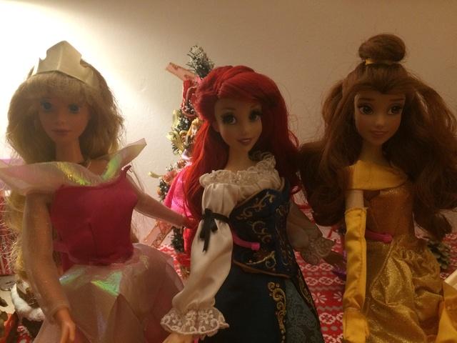 Ma collection des poupées des films de DISNEY - Page 7 Img_9416