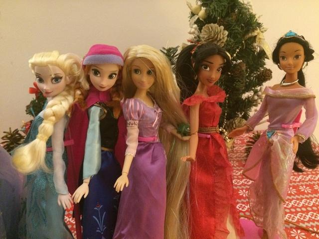 Ma collection des poupées des films de DISNEY - Page 7 Img_9510