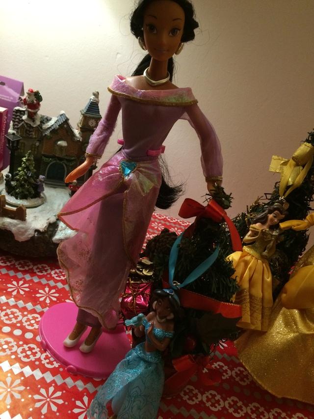 Ma collection des poupées des films de DISNEY - Page 7 Img_9611