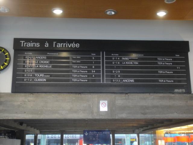 Nantes - Tableau affichage des arrivées ( palettes) Nantes24