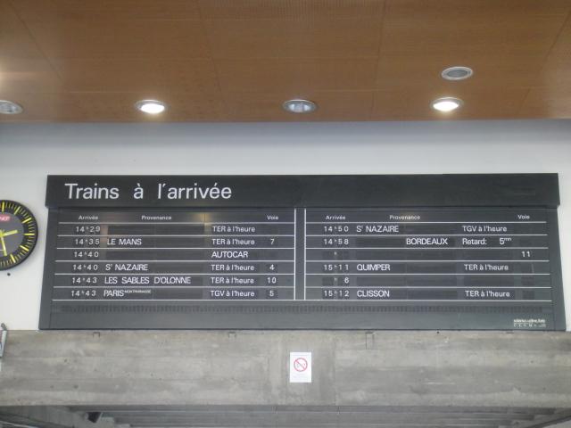 Nantes - Tableau affichage des arrivées ( palettes) Nantes25