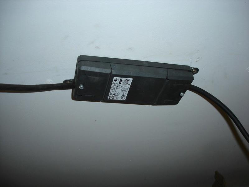 problème sur éclairage Philips HFP 242 .. Dsc01648
