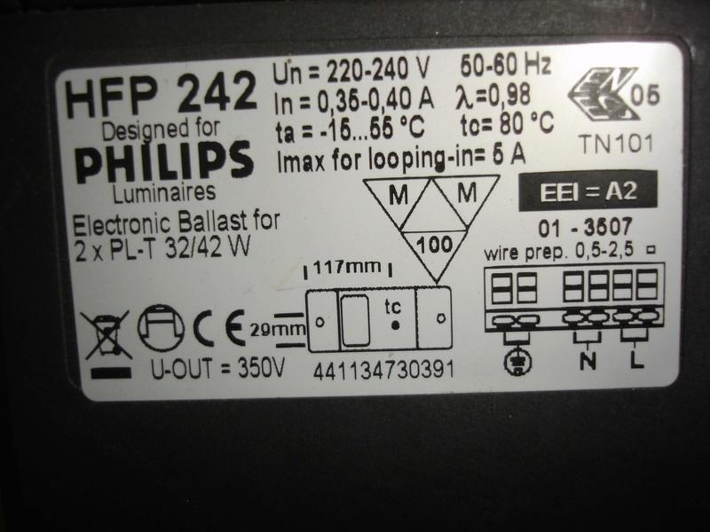 problème sur éclairage Philips HFP 242 .. Dsc01650