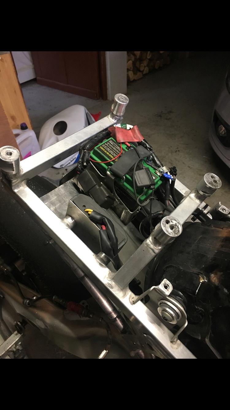 Problemes montage poly arrière cbr sc59/ boucle arrière  Ca5e7b10