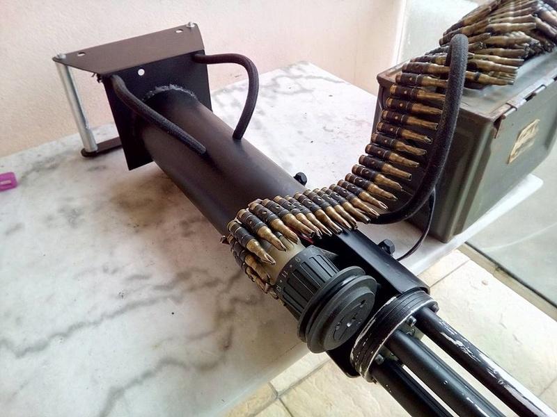 encore une M134 minigun, mais en métal celle là..... 18528012