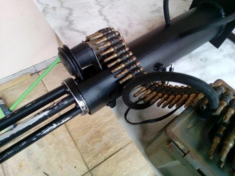 encore une M134 minigun, mais en métal celle là..... 18581711