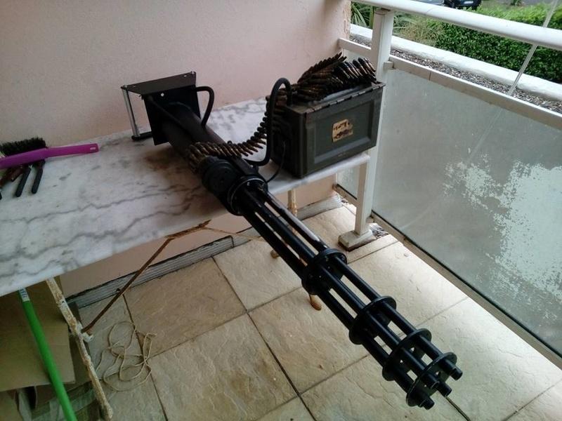 encore une M134 minigun, mais en métal celle là..... 18622210