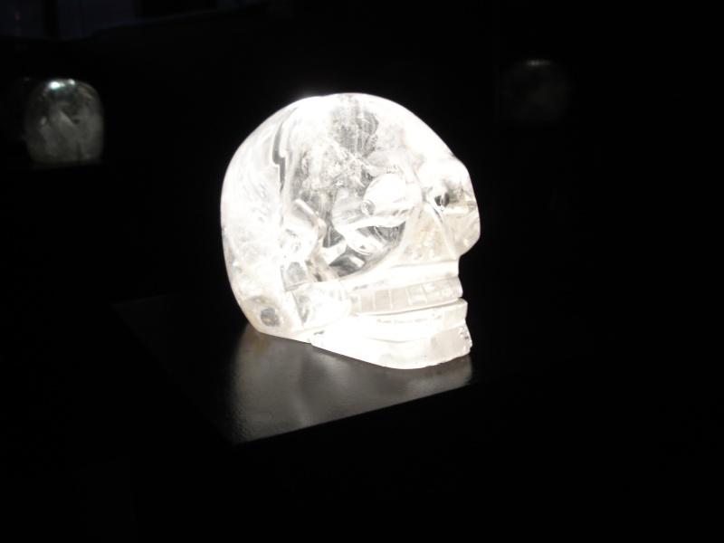 présentation exceptionnelle du Crâne de cristal des collections du musée du quai Branly Dsc01110