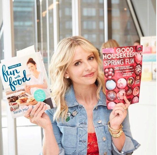 Sarah écrit un livre de cuisine Captu102