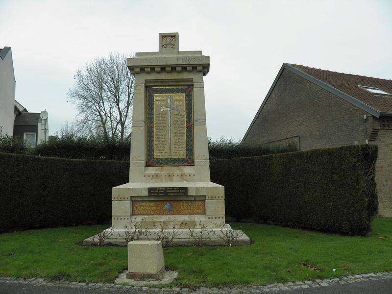 40 000 monuments pour 1 350 000 morts pendant la guerre de 14-18 [sujet collaboratif : on a besoin de vous !] P2010010
