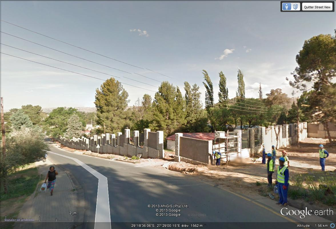 [Désormais visible sur Google Earth] -Le Palais Royal, Maseru [Lesotho] Palais11