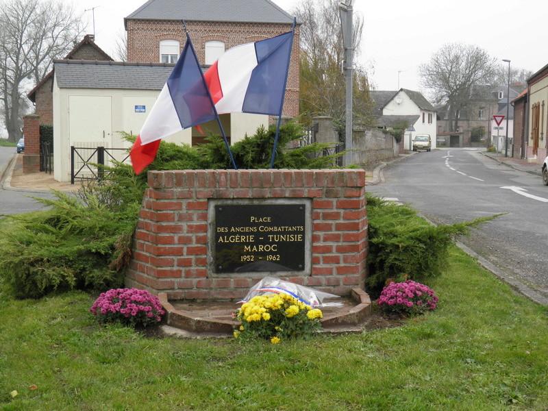 40 000 monuments pour 1 350 000 morts pendant la guerre de 14-18 [sujet collaboratif : on a besoin de vous !] Pb110011