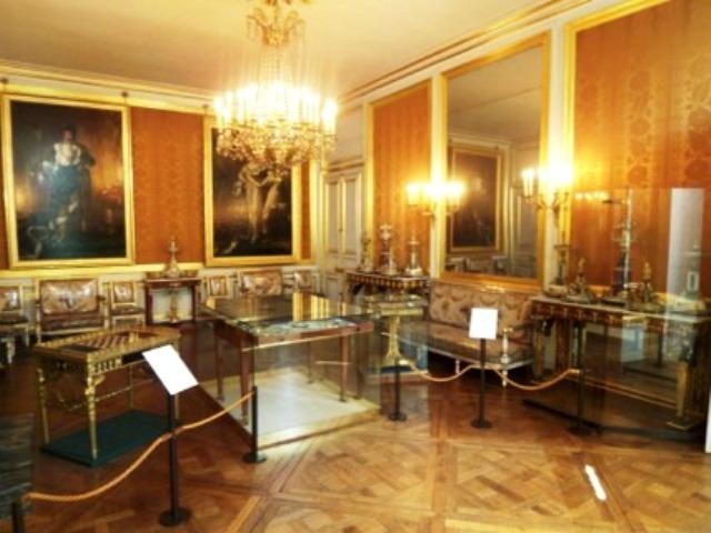 Exposition : Le surtout offert par Charles IV à Napoléon 1er 100_2816
