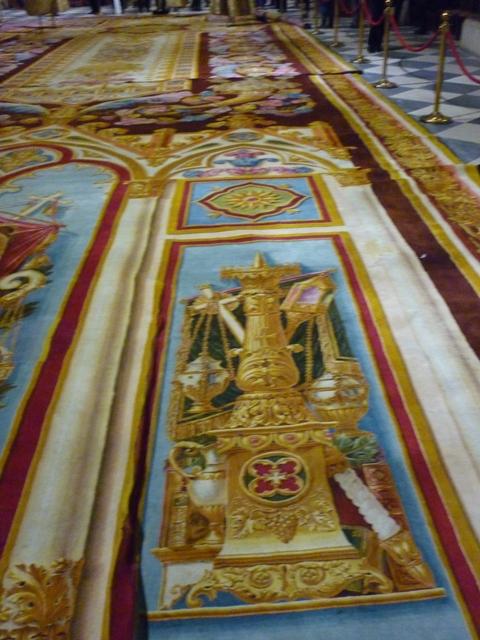 Notre-Dame de Paris. Exposition « Tapis du choeur » P1050611