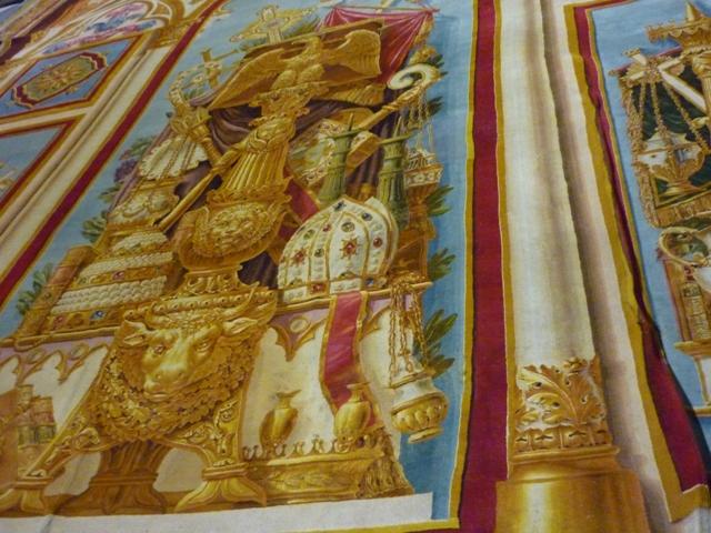 Notre-Dame de Paris. Exposition « Tapis du choeur » P1050612