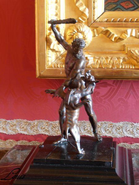 Le centaure, une créature fabuleuse à Versailles  P8290313