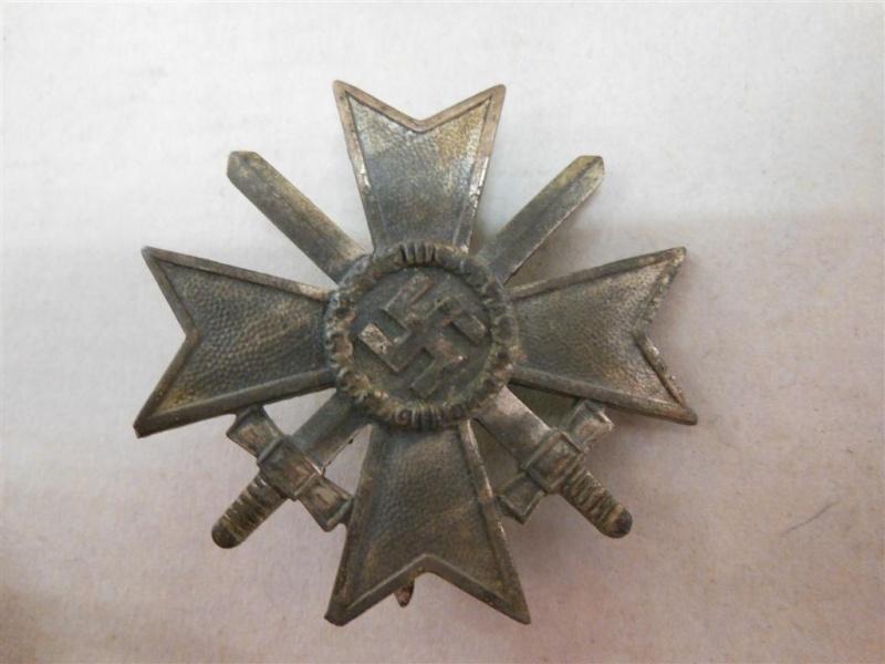 vend croix de merite de 1er classe avec glaives en boite  Dscn4721
